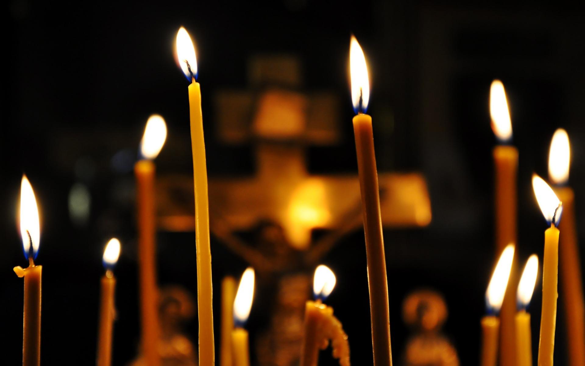 Картинки по запросу свечка в церкви