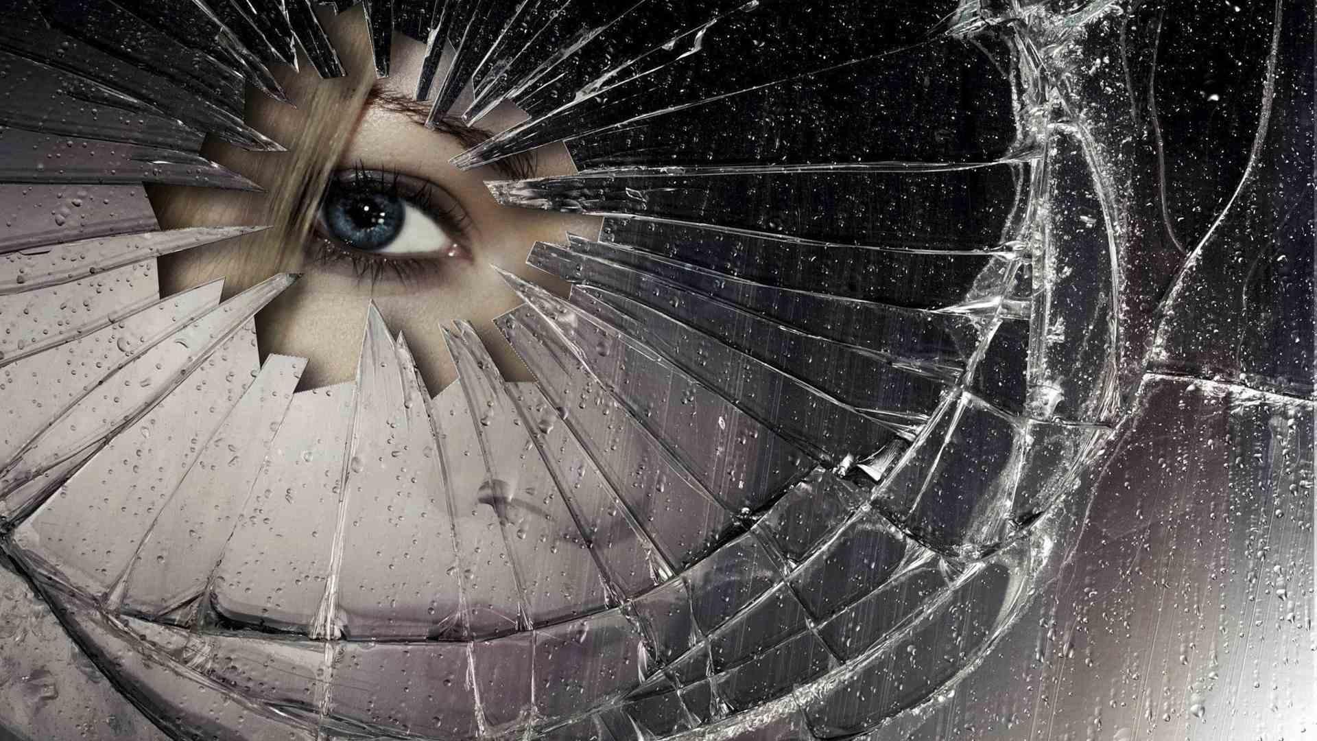 разбилось зеркало само примета стоит лишь выполнить